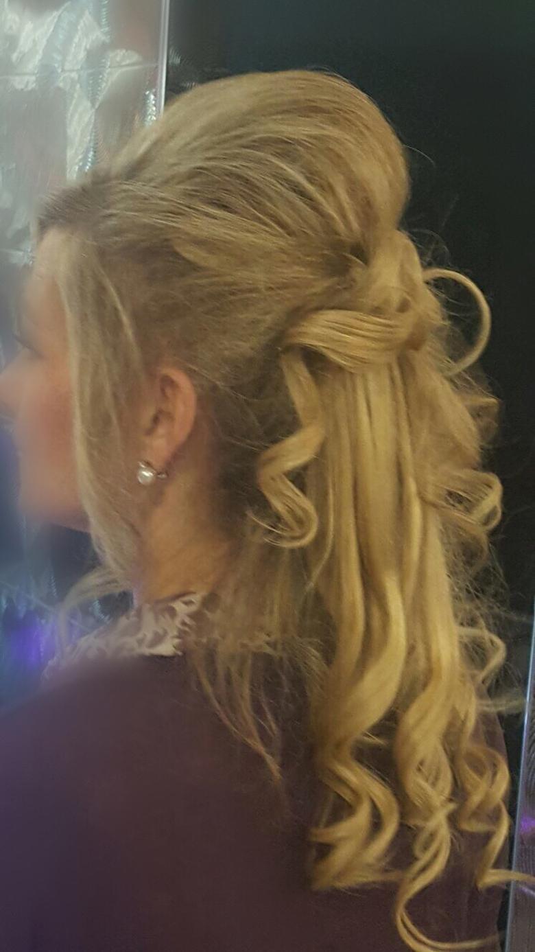 Peinados dama de honor Novias – Torrelodones